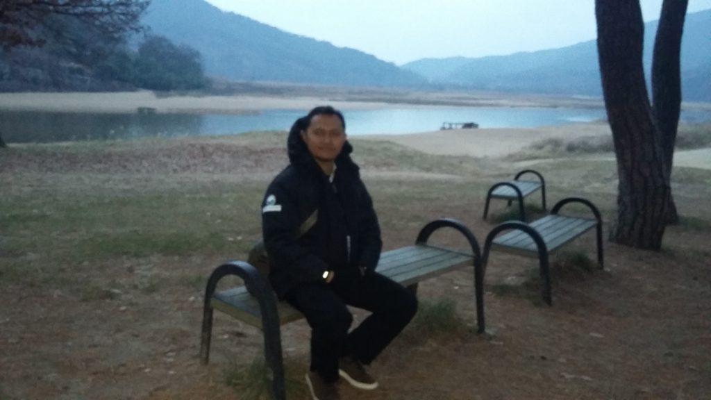 Di Tepian Sungai Nakdong