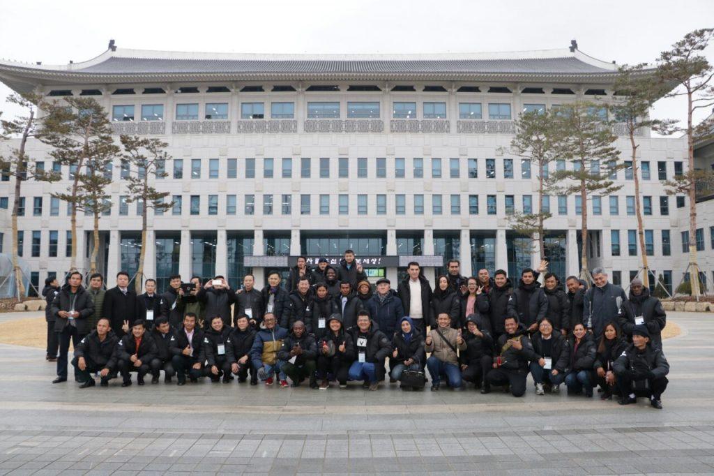 Foto Bersama 8 delegasi
